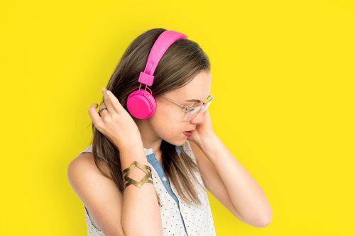 Flashy headphone girl