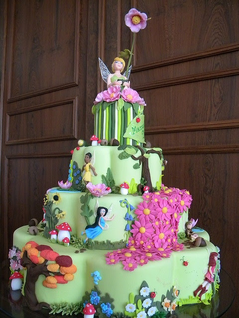 tinkerbell cake ... like WOW!!! I know 2 sets of twins that would love this!