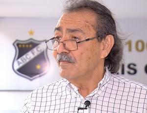 José Adécio candidato a presidente do ABC (Foto: Reprodução/Inter TV Cabugi)