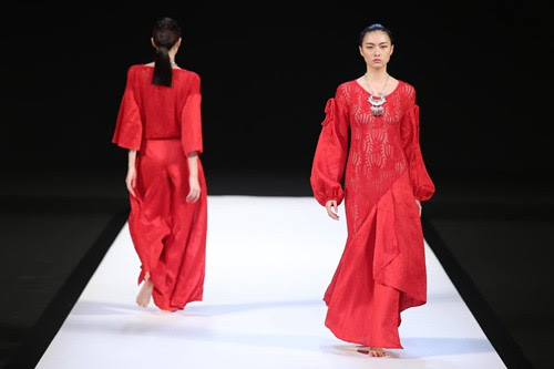 Traditional Chinese Elements Highlight Fashion Week Cctv News