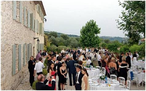 Behind the doors of beautiful wedding venues in South of