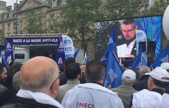 Jean-Claude Delage of the Alliance union,  speaks Place de la R & # xe9; public on 18  May 2016.