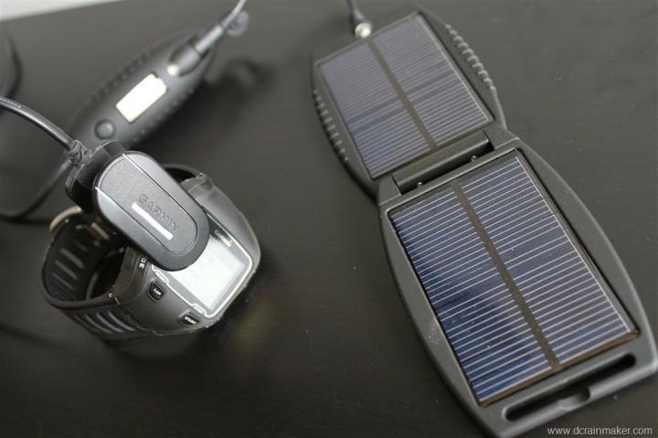 Garmin FR910XT getting charged via solar pack
