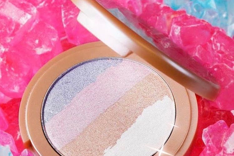 Tarte Make Believe In Yourself: Spellbound Glow Rainbow Highlighter Swatches
