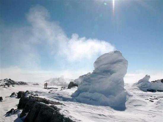 Torres de gelo do Monte Erebus Antarctica Ice 2 12 Natural Wonders Pictures visto na www.VyperLook.com