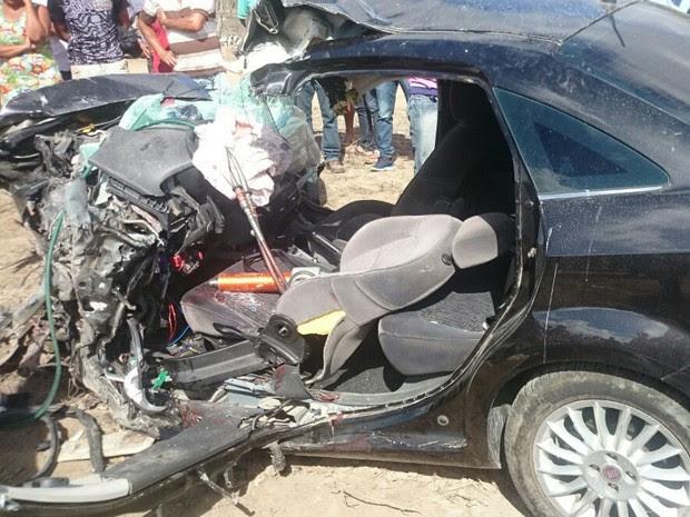 Secretário morreu após colidir de frente com caminhão, segundo PRF (Foto: Divulgação/PRF)