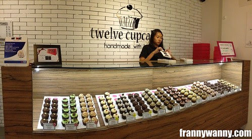 twelve cupcakes 2