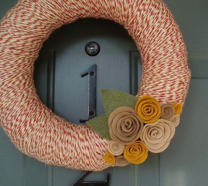 Yarn Wreath Felt Handmade Door Decoration - Tan and Red 12in