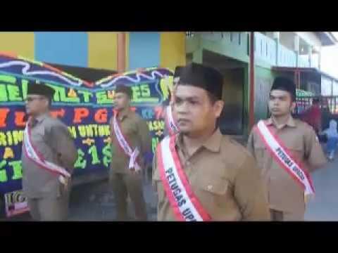 Peringatan Hari Guru Nasional di SD al-Rasyid Pekanbaru.
