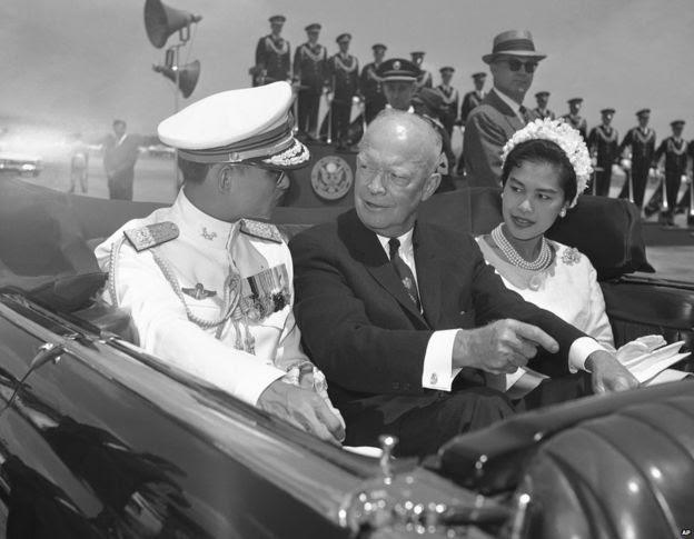 Tổng thống Dwight Eisenhower với Quốc vương King Bhumibol và phu nhân năm 1960