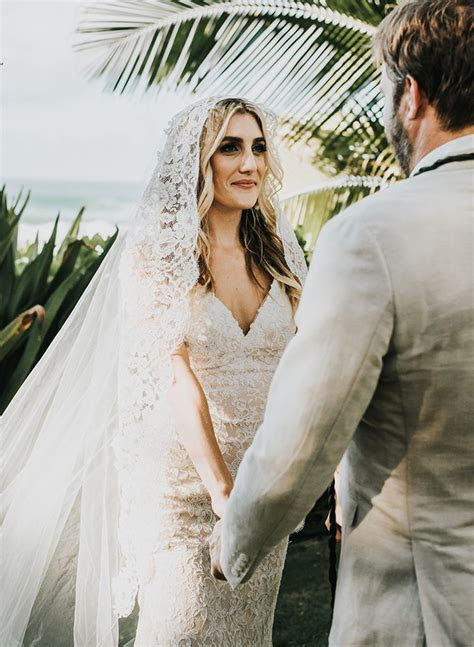 Waimea Valley Wedding on the North Shore of Oahu