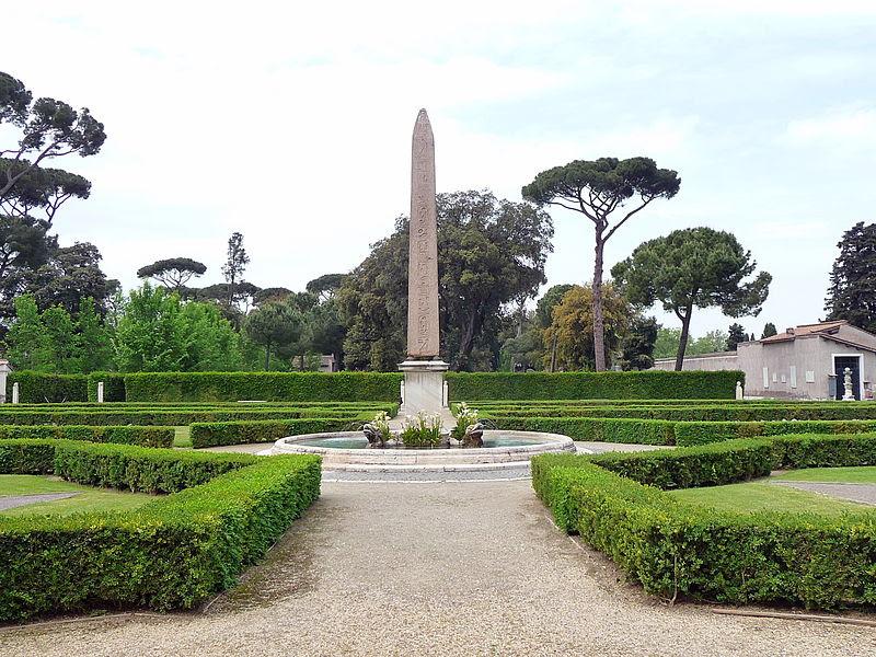 Fil: Roma villamedici obelisco.jpg