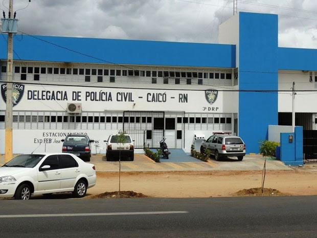 Delegacia de Caicó registrou fuga na noite deste sábado (4) (Foto: Eliezer Dantas/G1)