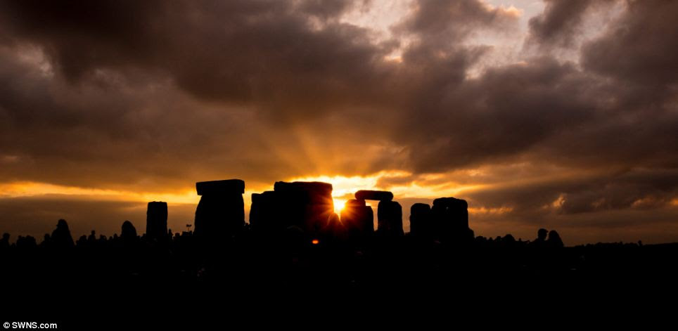 Thousands of people spent the night at Stonehenge, watching the sun set then waiting for it to rise on the longest day of the year