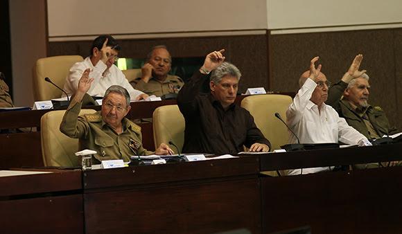 Aprueba parlamento cubano Ley de Inversion Extrajera. Foto: Ismael Francisco/Cubadebate.