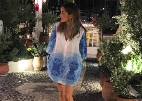 Δέσποινα Βανδή: Καλοπερνά στη Σαντορίνη!
