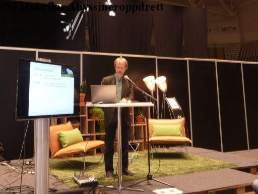 Bjarne O. Braastad holdt et kjempeinteressant foredrag om Kattens atferd. Han har også skrevet en bok om dette temaet!