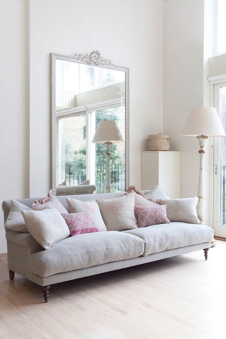 neutrals + pale plum / sofa <3