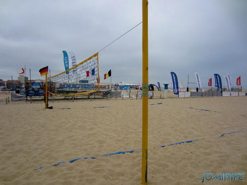 Campos de praia da Figueira da Foz / Buarcos #9 - Voleibol de praia na areia (onda do mar) (2) [en] Game fields on the beach of Figueira da Foz / Buarcos - Volleyball na areia