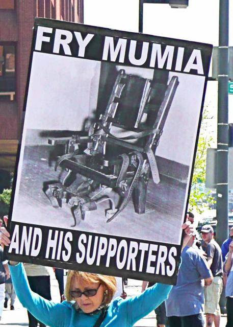 """Public pressure to release Mumia Abu-Jamal from the """"Hole"""" trumped the pressure from those trying to keep torturing him (photo b"""