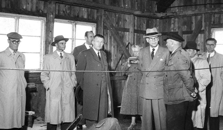 Kekkonen Röyttän sahalla 1955