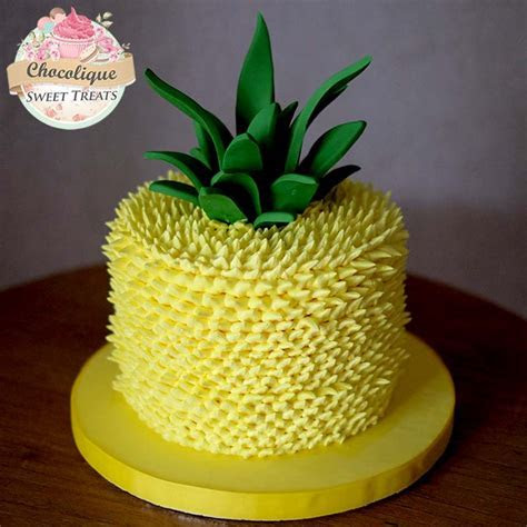 Pineapple Buttercream Cake ? Chocolique