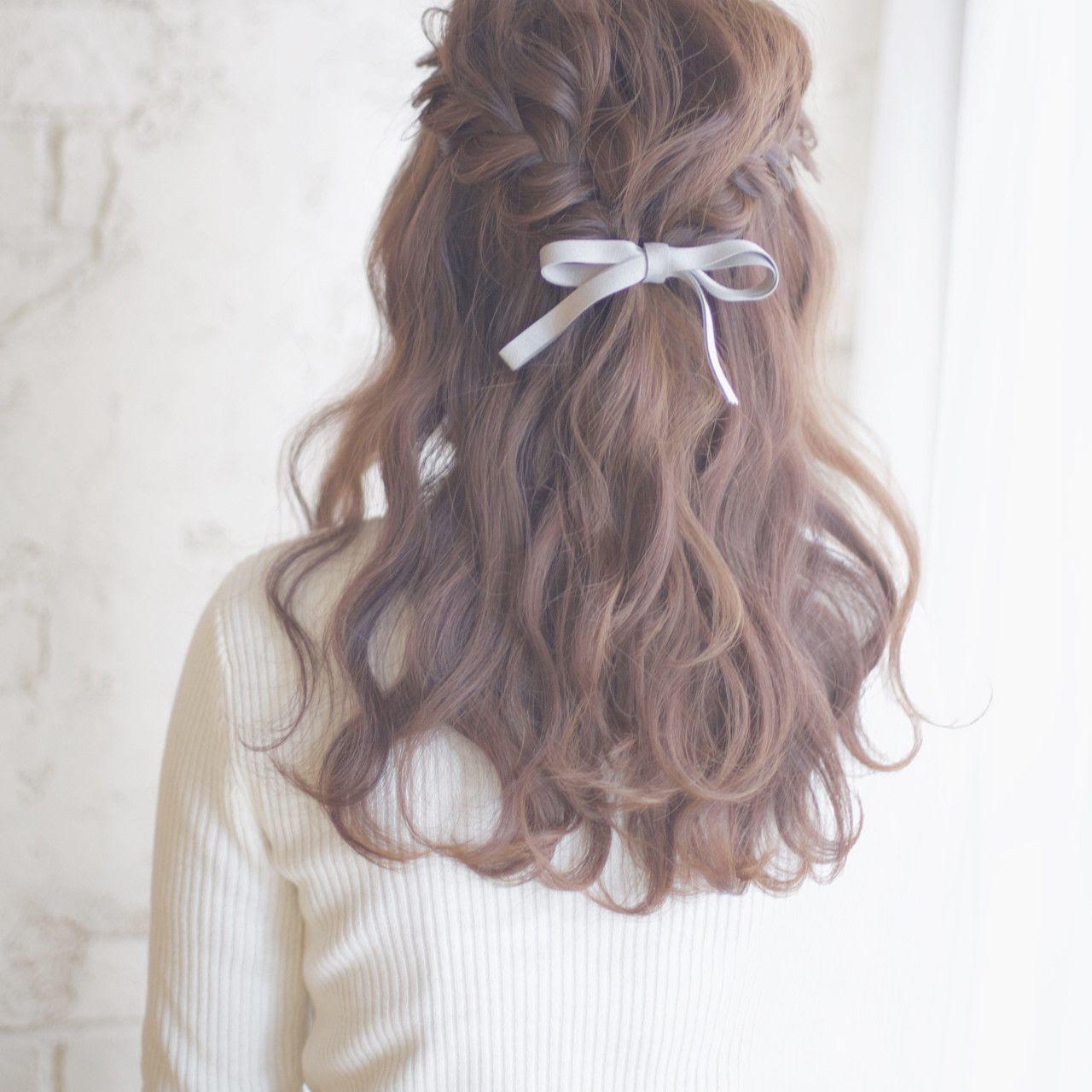見える 髪型 可愛く