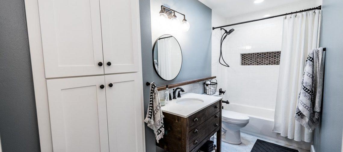 modern farmhouse ensuite bathroom  bathroom design