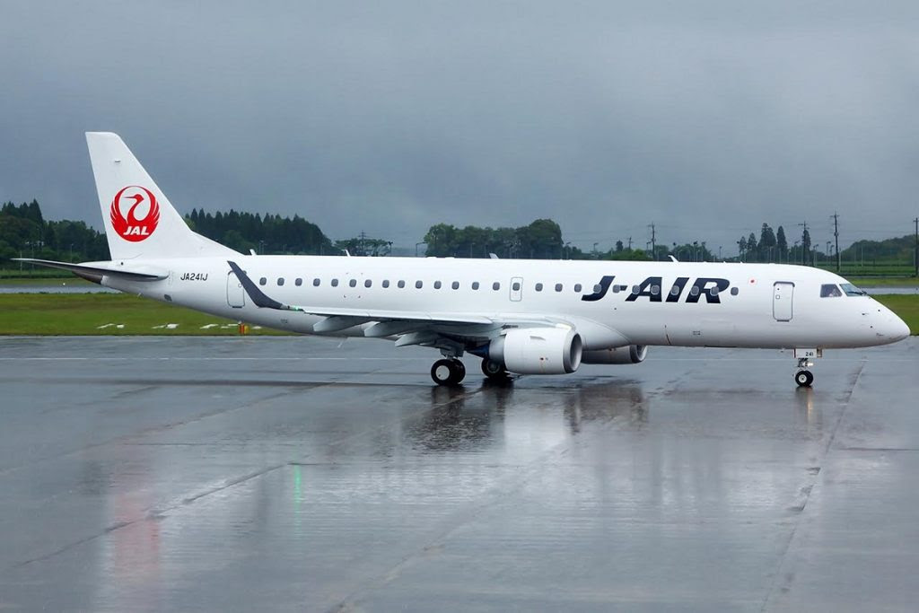 japan-airlines-jal-j-air-embraer-e190