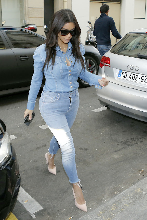 Kim Kardashian and Serena Williams hit the streets to shop in Paris **USA ONLY**