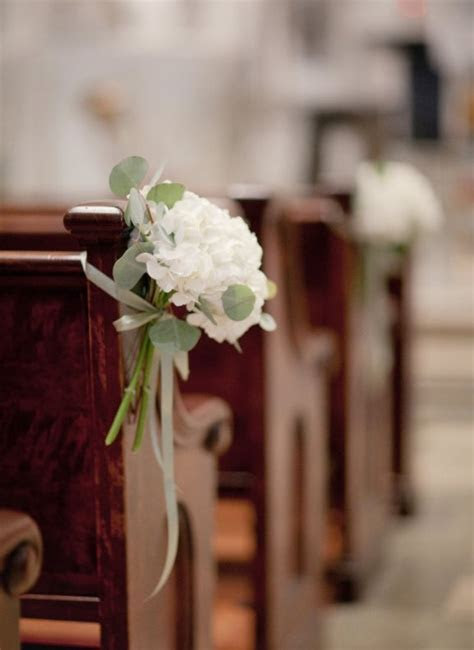 Church Pew Decorations Archives   Weddings Romantique