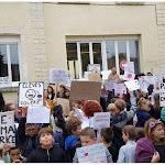 Lux   Lux : ils veulent garder leur directrice d'école