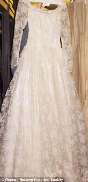 1960's white lace long-sleeve dress