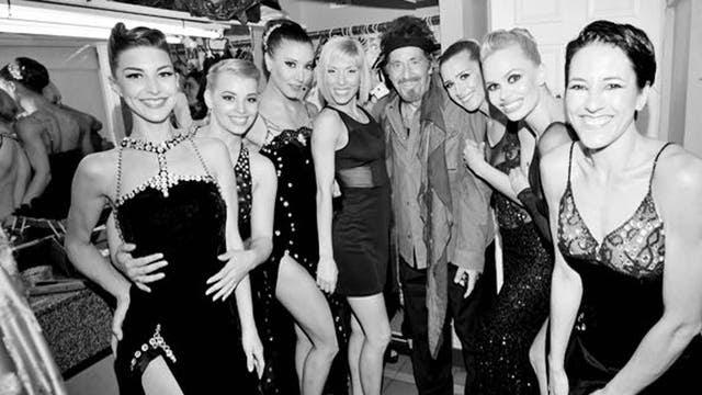 Al Pacino junto a las bailarinas de Señor Tango