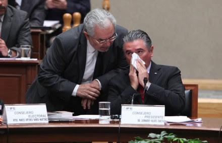 Leonardo Valdés durante la sesión en el IFE. Foto: Benjamin Flores