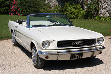 Ford-Mustang-Cabriolet-1965-01