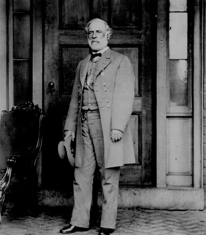 http://static1.businessinsider.com/image/4edfbfc9eab8ea4c7400001e-900/confederate-general-robert-e-lee-1807-1870-a-reluctant-secessionist-lee-became-the-commander-of-the-confederate-army-despite-having-never-led-troops-into-battle-before-saving-richmond-in-1862-his-victories-despite-often-being-outnumbered-kept-the-confederacy-afloat-his-surrender-at-appomattox-signaled-the-end-of-the-war.jpg