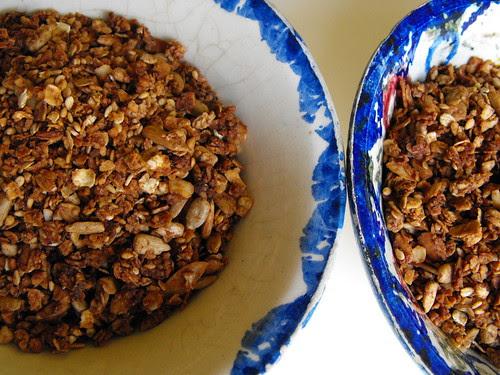 Granola de chocolate e amêndoa