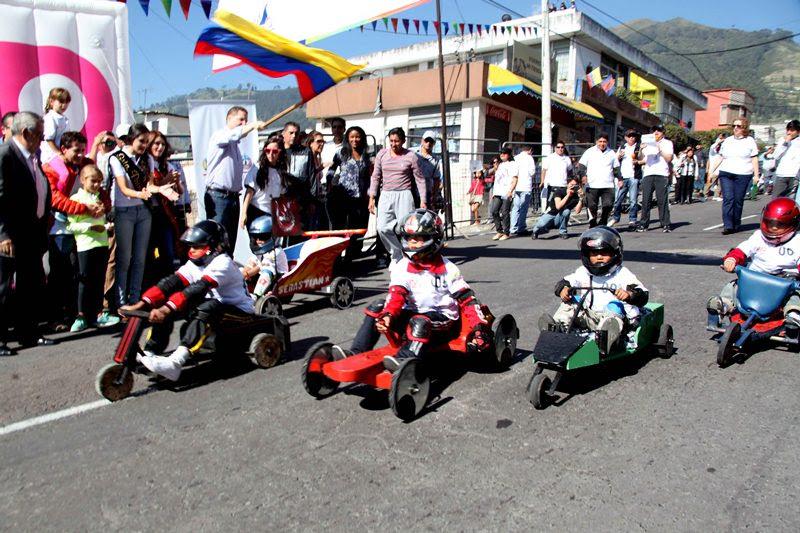 Juegos Tradicionales De Quito Coches De Madera / Los Coches De Madera Son Parte De La Historia ...