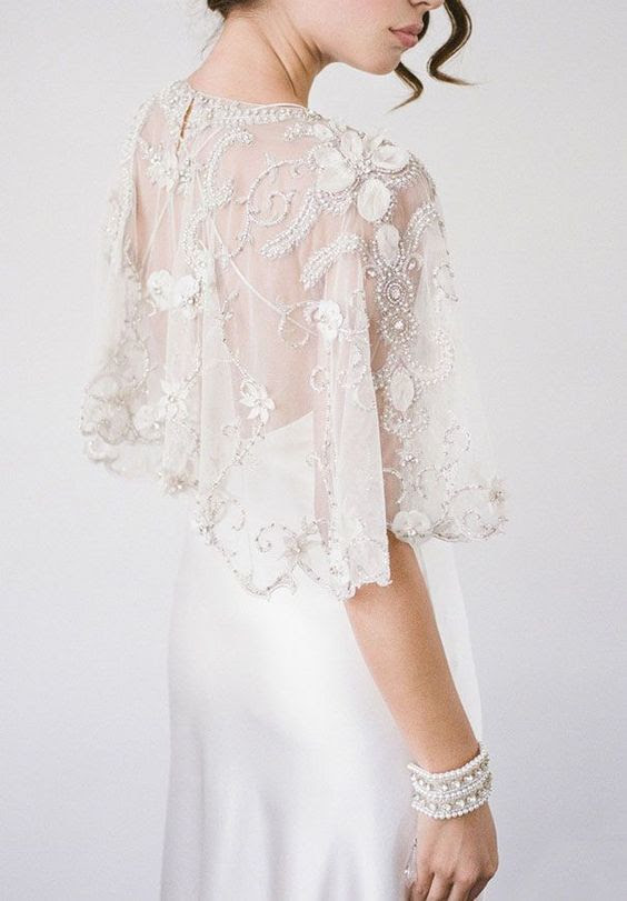 verschönert Spitze applique capelet für eine elegante, moderne Hochzeit Kleid