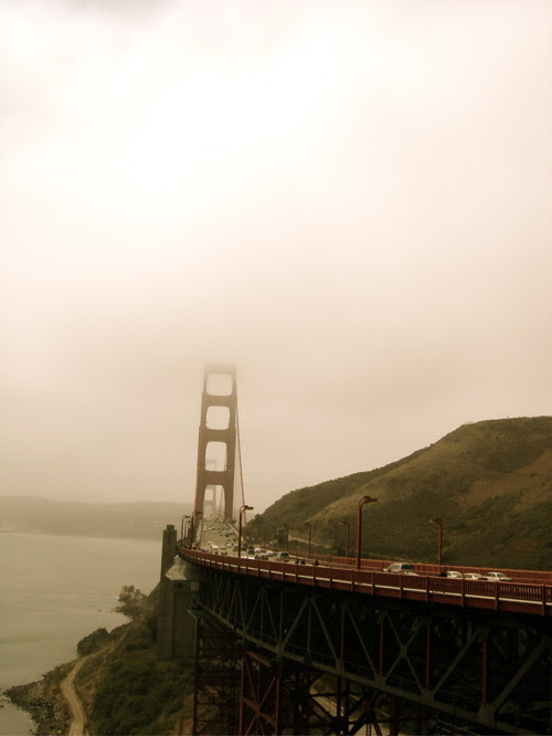 Folkgrinunger Golden Gate Bridge Fog