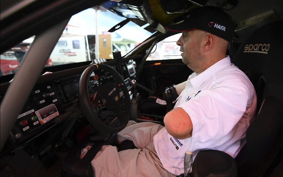 Fã de automobilismo e esportes radicais, Croizon participa agora da competição que percorre estradas do Paraguai, Bolívia e Argentina (Foto: Franck Fife/AFP)