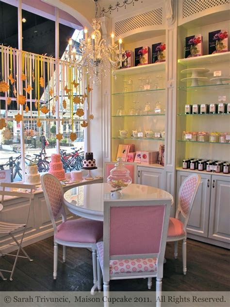 Cookies and Cakes at the Peggy Porschen Parlour