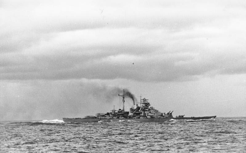 File:Bundesarchiv Bild 146-1984-055-14, Schlachtschiff Bismarck, nach Seegefecht.jpg