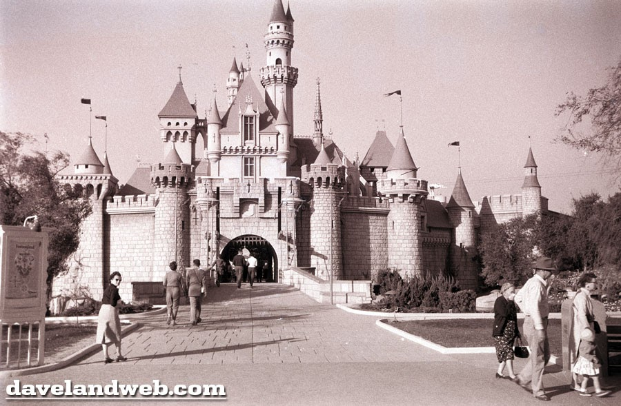 Davelandblog Early Disneyland Welcome To Storybook Land