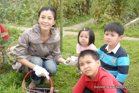Christine Ng & kids