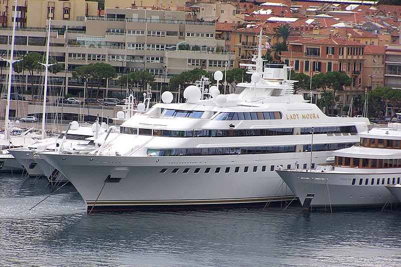 File:Yacht Lady Moura in Monaco.jpg