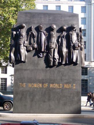 Monumento a la mujer en la Segunda Guerra Mundial, Londres. /GuShN.G.M. -Análisis.