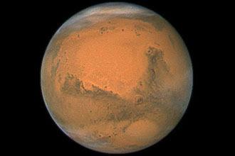 Além de Marte (foto), cientistas acreditam que vida pode ser encontrada na lua de Júpiter e em luas de Saturno