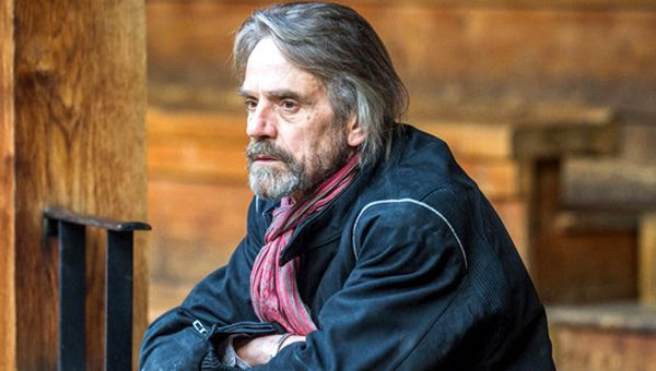 Jeremy Irons will play Alfred in 2016's BATMAN VS. SUPERMAN.